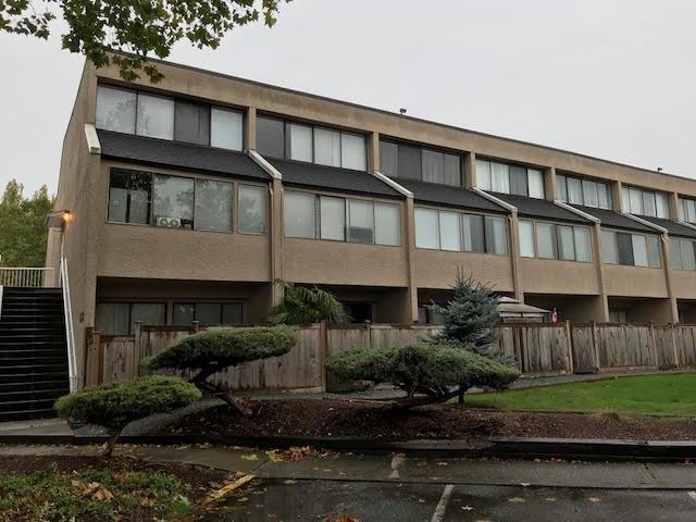 17700 60 Avenue #7, Surrey, BC V3S 1V2 (#R2215890) :: Vallee Real Estate Group