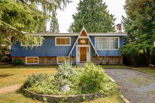 6790 Winch Street, Burnaby, BC V5B 2L8 (#R2215910) :: Vallee Real Estate Group
