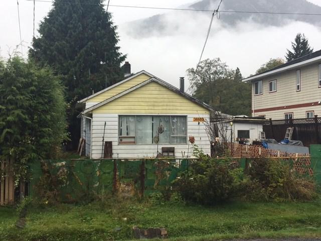 38883 Britannia Avenue, Squamish, BC V0N 3B0 (#R2216153) :: Vallee Real Estate Group