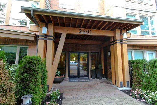 2601 Whiteley Court #311, North Vancouver, BC V7J 2R7 (#R2224405) :: West One Real Estate Team
