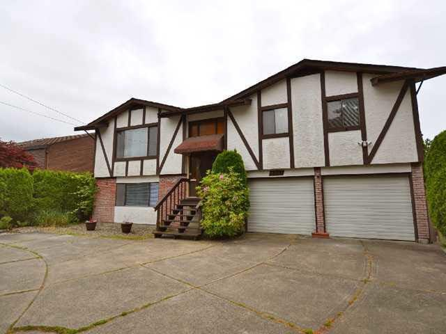 8251 No. 4 Road, Richmond, BC V6Y 2T7 (#R2224441) :: West One Real Estate Team