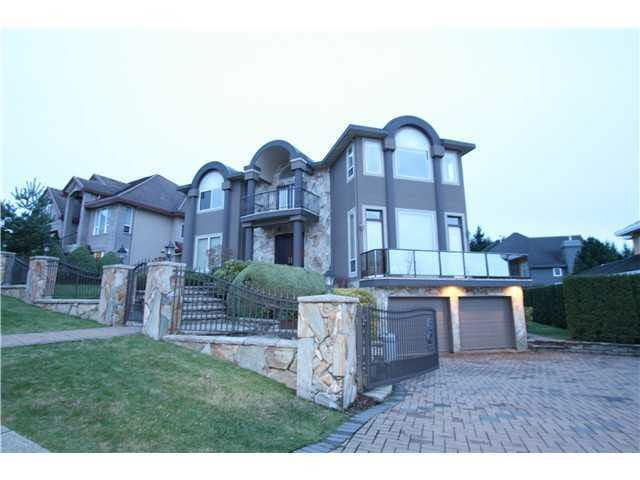 1607 Parkway Boulevard, Coquitlam, BC V3E 3M7 (#R2227325) :: Vallee Real Estate Group