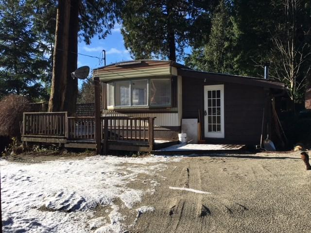 8131 Cedarwood Road, Halfmoon Bay, BC V0N 1Y2 (#R2229666) :: Linsey Hulls Real Estate