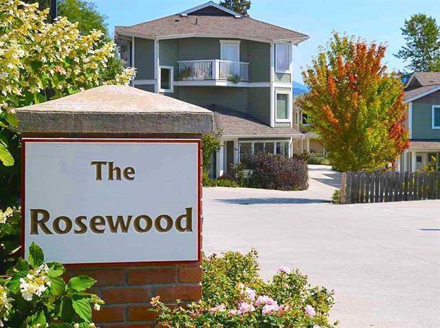 624 Shaw Road #304, Gibsons, BC V0N 1V8 (#R2230219) :: Linsey Hulls Real Estate