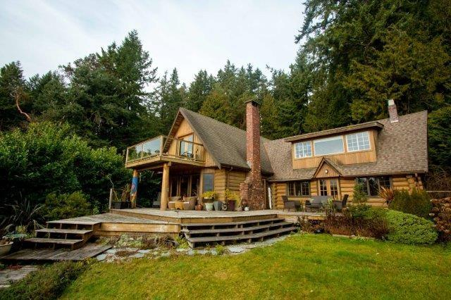 2465 Lower Road, Roberts Creek, BC V0N 2W0 (#R2231844) :: Linsey Hulls Real Estate