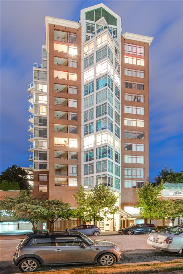 130 E 2ND Street #802, North Vancouver, BC V7L 1C3 (#R2241785) :: Re/Max Select Realty