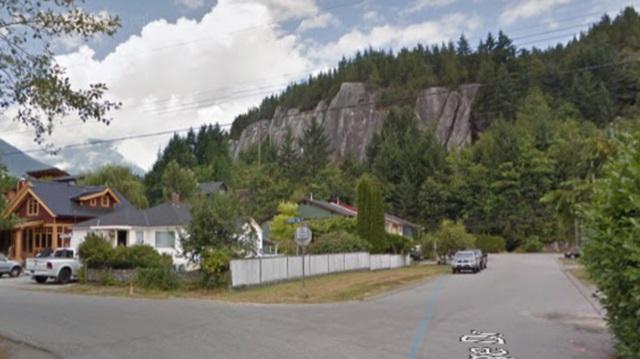 1779 Vista Crescent, Squamish, BC V0N 3G0 (#R2252820) :: Vancouver House Finders