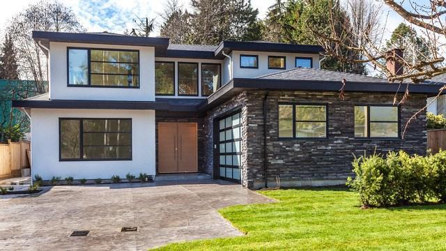2857 Crestlynn Drive, North Vancouver, BC V7J 2S2 (#R2254994) :: West One Real Estate Team