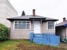 5427 Joyce Street, Vancouver, BC V5R 4H3 (#R2259650) :: Re/Max Select Realty