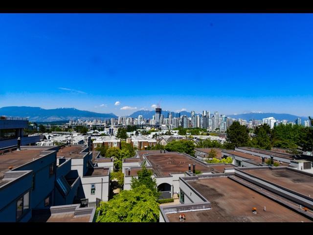 1367 W 8TH Avenue, Vancouver, BC V6H 3W4 (#R2270309) :: TeamW Realty