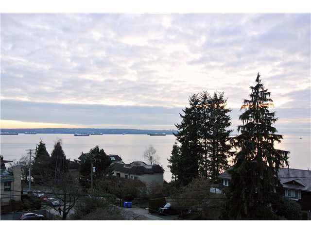 2187 Bellevue Avenue #403, West Vancouver, BC V7V 1C2 (#R2304339) :: JO Homes | RE/MAX Blueprint Realty