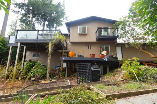125 Mountain Drive, Lions Bay, BC V0N 2E0 (#R2304730) :: West One Real Estate Team