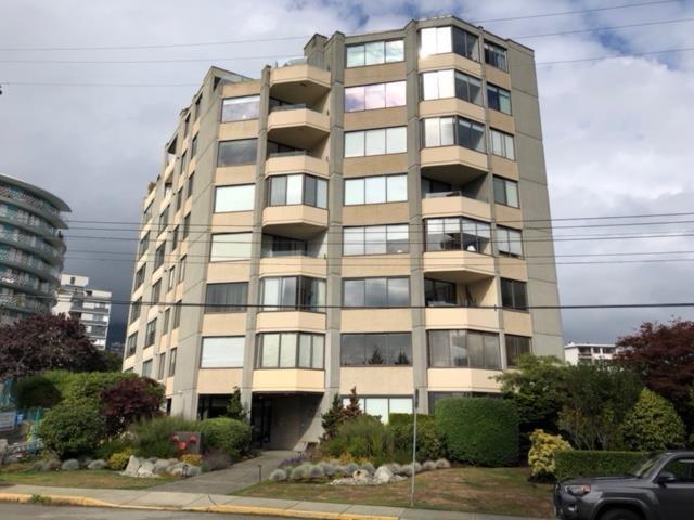 2165 Argyle Avenue #201, West Vancouver, BC V7V 1A5 (#R2304972) :: JO Homes | RE/MAX Blueprint Realty
