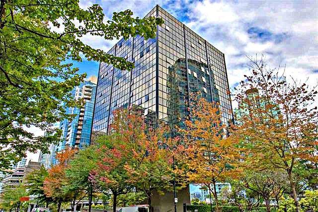 1333 West Georgia Street #413, Vancouver, BC V6E 4V3 (#R2307695) :: TeamW Realty
