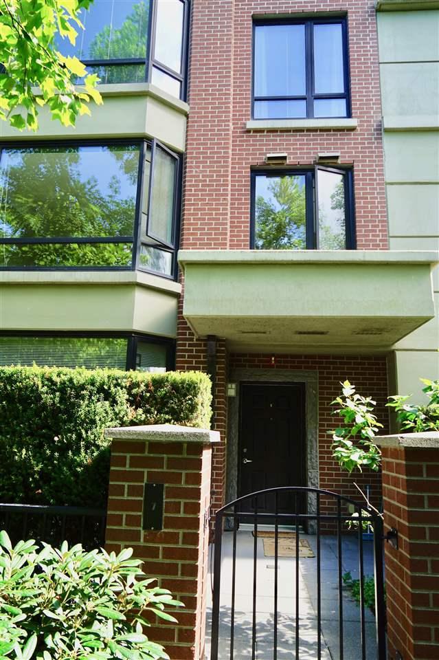 9133 Hemlock Drive #7, Richmond, BC V6Y 4J9 (#R2307744) :: Vancouver House Finders
