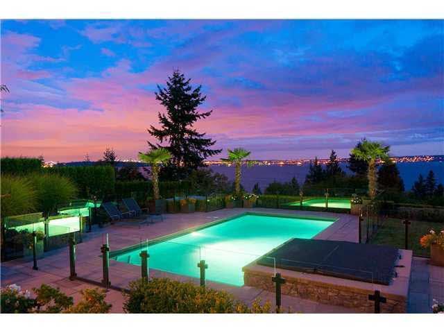 3470 Mathers Avenue, West Vancouver, BC V7V 2K7 (#R2309133) :: Vancouver House Finders
