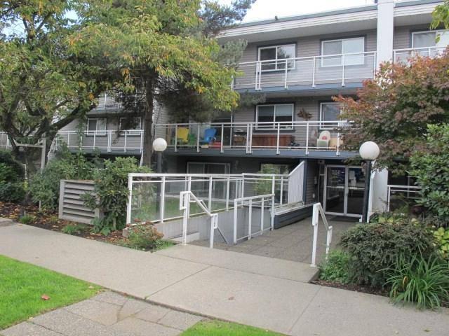 550 Royal Avenue #211, New Westminster, BC V3L 5H9 (#R2309641) :: JO Homes | RE/MAX Blueprint Realty
