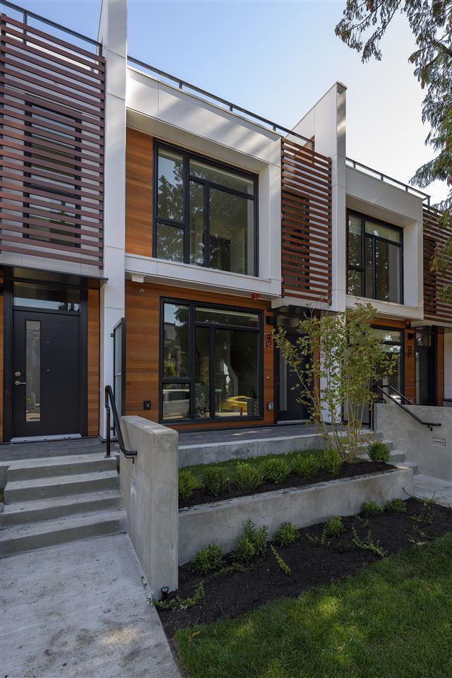 7348 Granville Street, Vancouver, BC V6P 0G2 (#R2312971) :: TeamW Realty