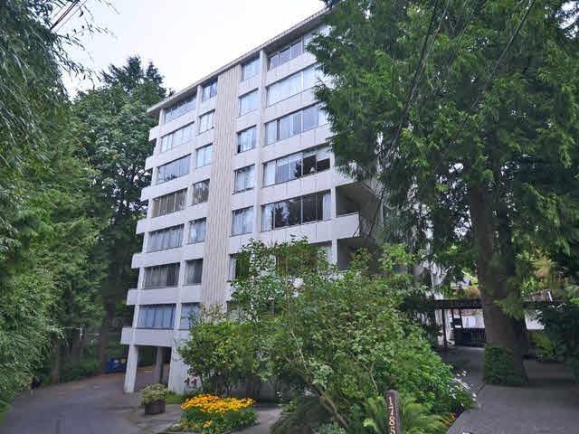 1785 Esquimalt Avenue #103, West Vancouver, BC V7V 1R7 (#R2315485) :: West One Real Estate Team