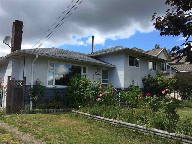 9317 135 Street, Surrey, BC V3V 5T9 (#R2371088) :: Vancouver Real Estate
