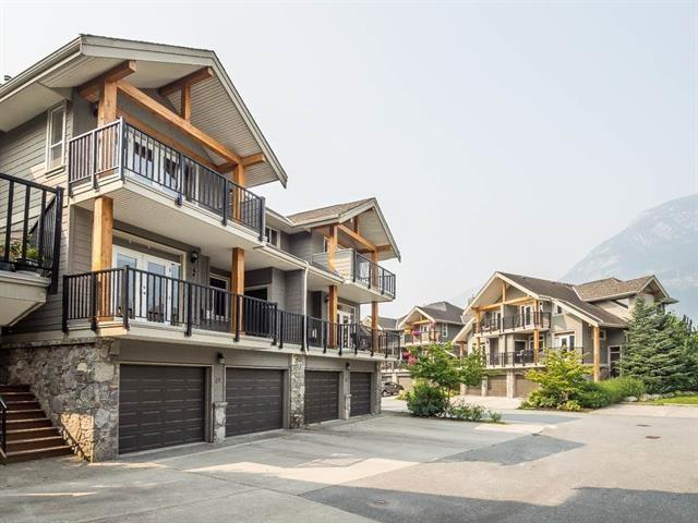 39758 Government Road #19, Squamish, BC V8B 0G3 (#R2380698) :: Royal LePage West Real Estate Services