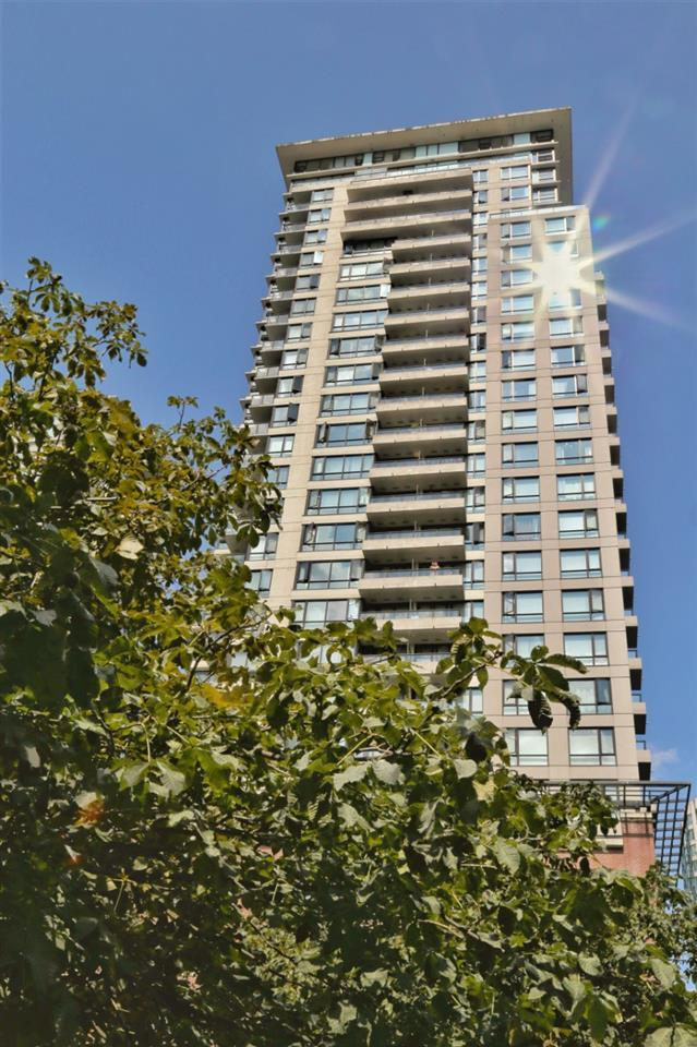 977 Mainland Street #1701, Vancouver, BC V6B 1T2 (#R2396782) :: Vancouver Real Estate