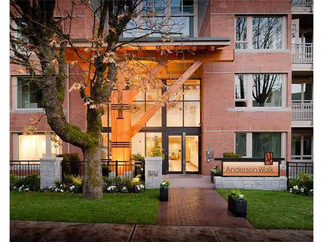 119 W 22ND Street #226, North Vancouver, BC V7M 0B4 (#R2405099) :: RE/MAX City Realty