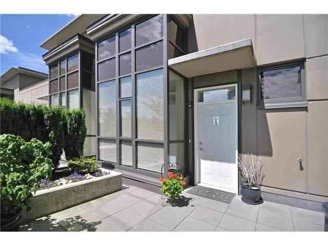 4250 Dawson Street Th14, Burnaby, BC V5C 4B1 (#R2460654) :: RE/MAX City Realty