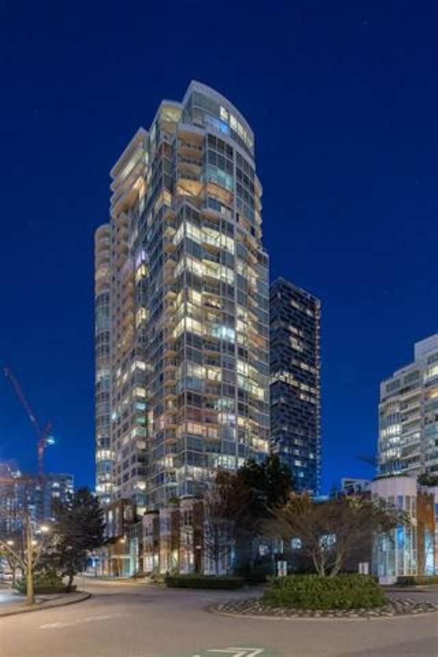 1500 Hornby Street #1210, Vancouver, BC V6Z 2R1 (#R2498889) :: Premiere Property Marketing Team