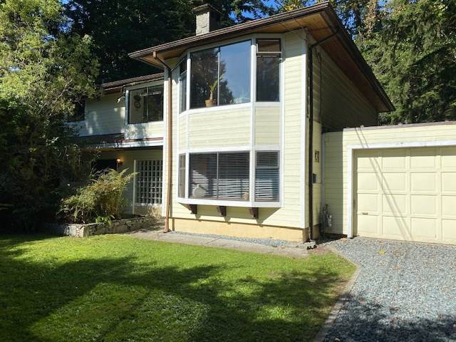 445 Newlands Place, West Vancouver, BC V7T 1W4 (#R2501146) :: Initia Real Estate