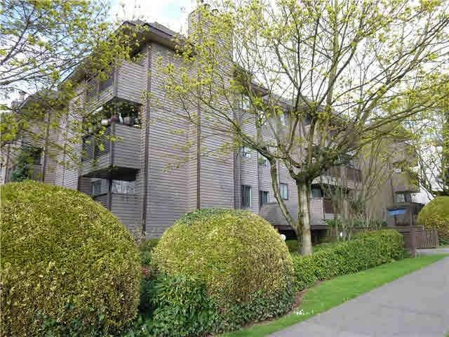2215 Dundas Street #108, Vancouver, BC V5L 1J9 (#R2503161) :: 604 Realty Group