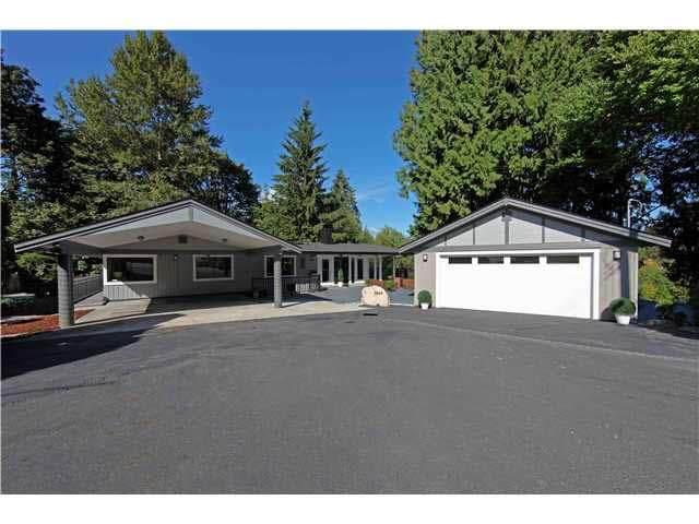 7545 Whelen Court, Burnaby, BC V5E 1X4 (#R2504568) :: Initia Real Estate