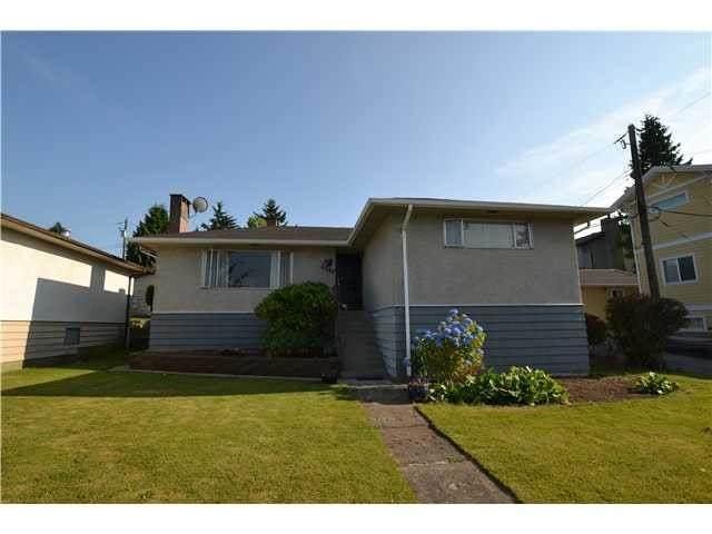 6042 Berwick Street, Burnaby, BC V5H 1W2 (#R2508803) :: 604 Home Group