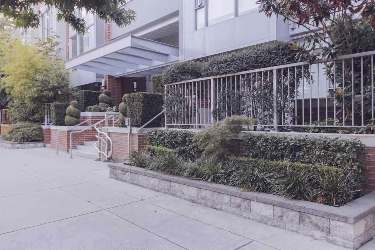 1133 Homer Street - Photo 1