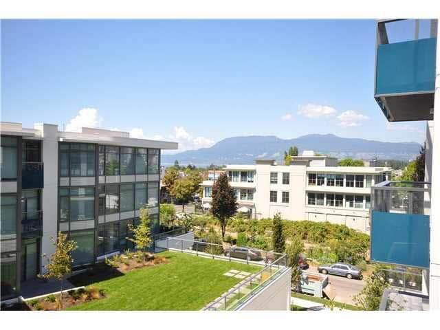 1777 W 7TH Avenue #303, Vancouver, BC V5H 0E8 (#R2513412) :: 604 Home Group