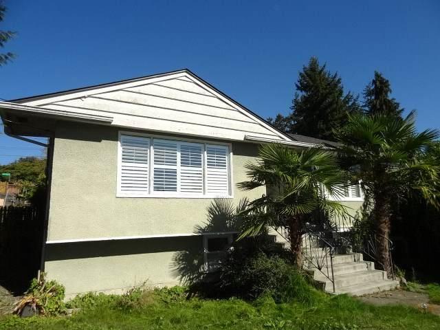3819 Marine Drive, Burnaby, BC V5J 3E3 (#R2540677) :: RE/MAX City Realty