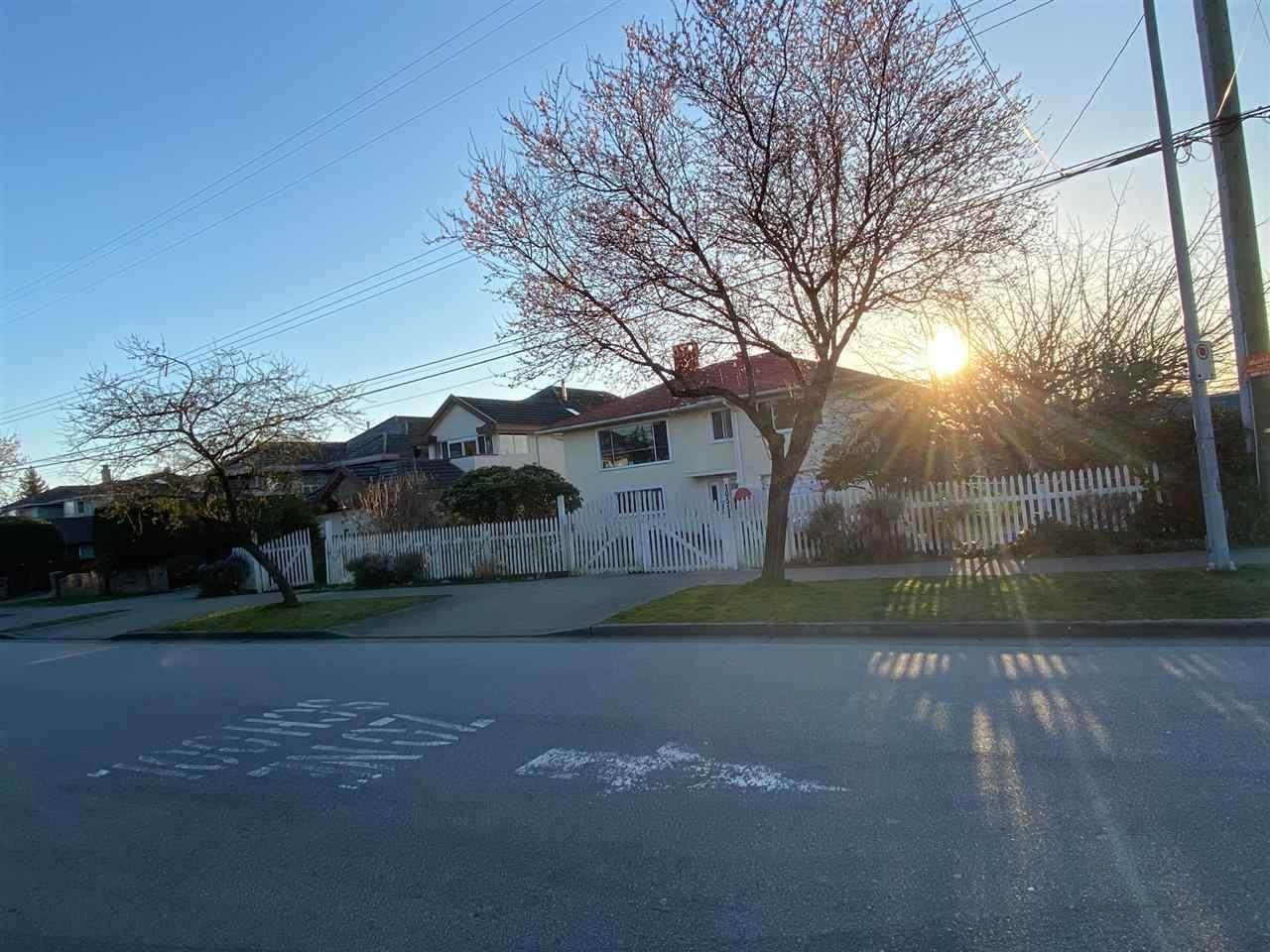 10511 Lassam Road - Photo 1