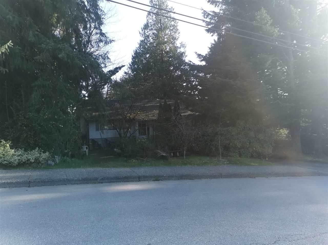 1416 Winslow Avenue - Photo 1