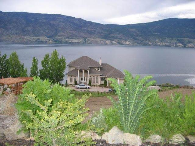 21606 Bridgeman Road, No City Value, BC V0H 1Z6 (#R2593501) :: Initia Real Estate