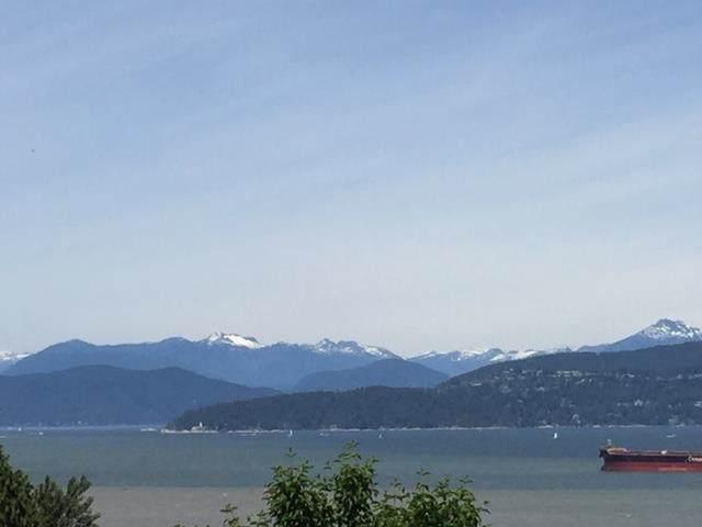 4889 Belmont Avenue, Vancouver, BC V6T 1A8 (#R2594979) :: Homes Fraser Valley
