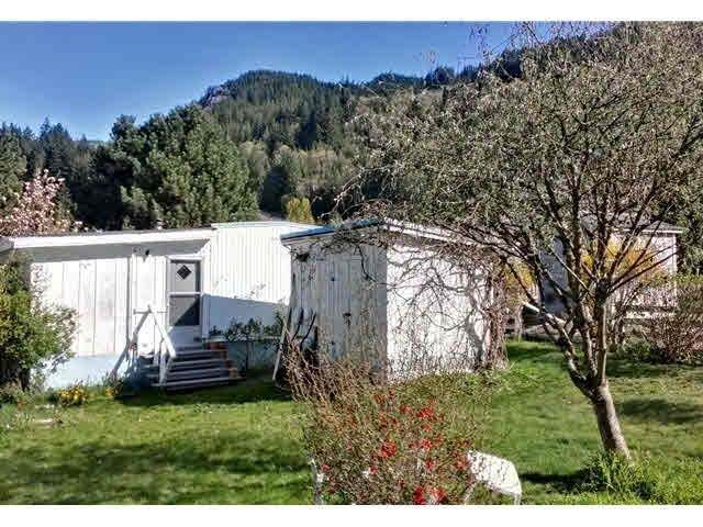 827 Minaty Lane, Squamish, BC V0N 1J0 (#R2598050) :: Initia Real Estate