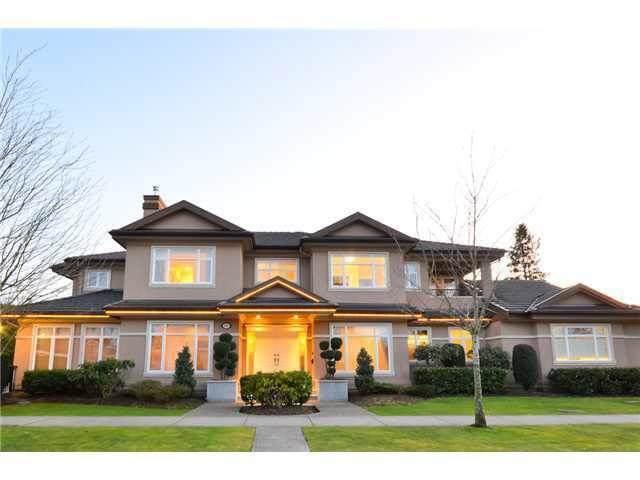 8320 Lucerne Road, Richmond, BC V6Y 1J3 (#R2601118) :: Initia Real Estate