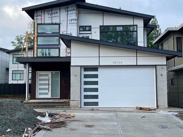 36708 Carl Creek Crescent, Abbotsford, BC V3G 0H4 (#R2604432) :: Premiere Property Marketing Team