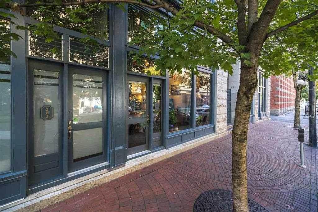 273 Columbia Street - Photo 1