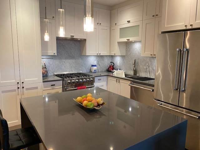 14855 Thrift Avenue #507, White Rock, BC V4B 2J6 (#R2618635) :: Ben D'Ovidio Personal Real Estate Corporation   Sutton Centre Realty