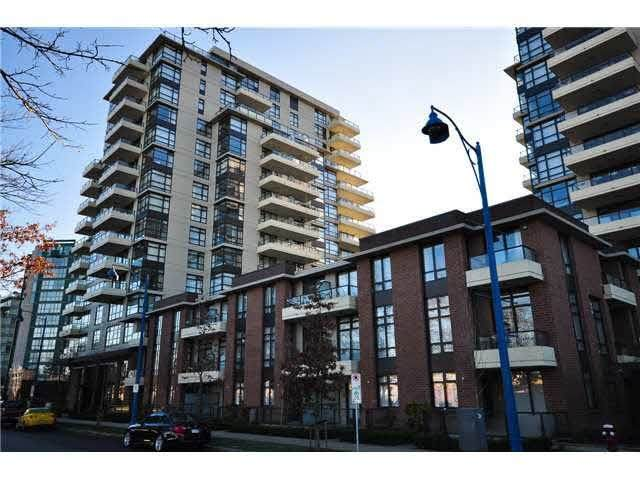 8160 Lansdowne Road #601, Richmond, BC V6X 0A9 (#R2628094) :: Initia Real Estate