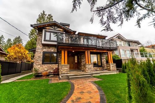 1595 Mathers Avenue, West Vancouver, BC V7V 2G6 (#R2223739) :: West One Real Estate Team
