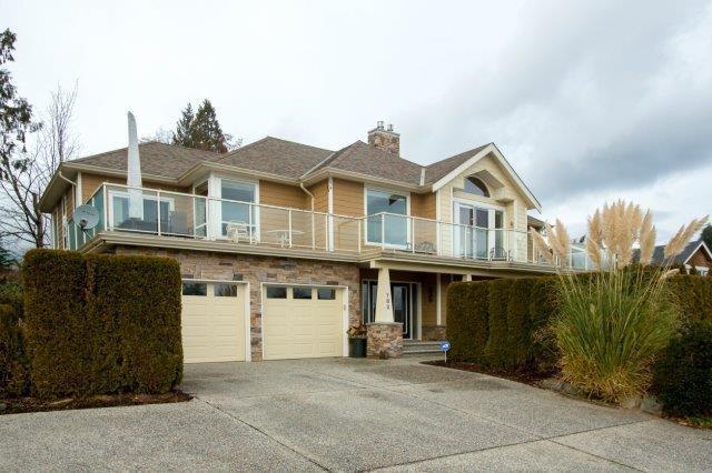 782 O'shea Road, Gibsons, BC V0N 1V9 (#R2231619) :: Linsey Hulls Real Estate
