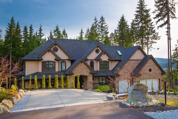 1418 Crystal Creek Drive, Anmore, BC V3H 0A3 (#R2253509) :: West One Real Estate Team