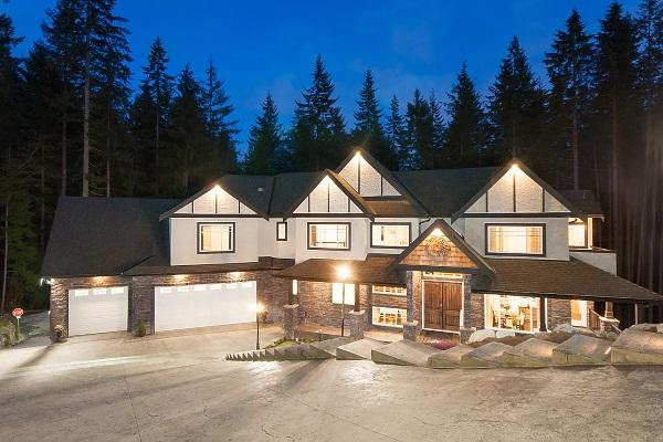 1408 Crystal Creek Drive, Anmore, BC V3H 0A3 (#R2254186) :: West One Real Estate Team